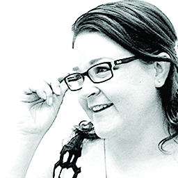 Zoë Warne